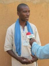 Sani Ayouba explique aux médias l'impact du changement climatique sur la pêche